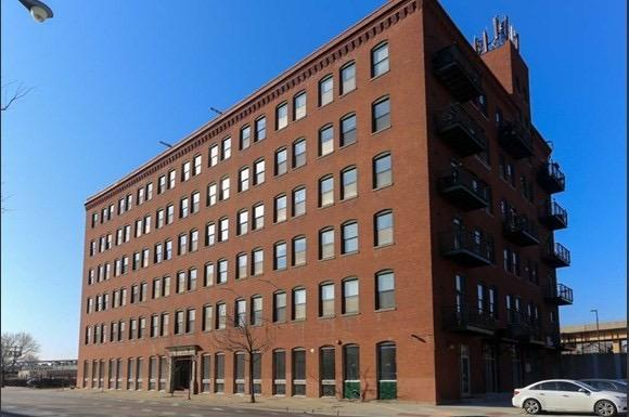 ReJournals: Kiser Group lists Chicago apartment building, formerly a pillow factory