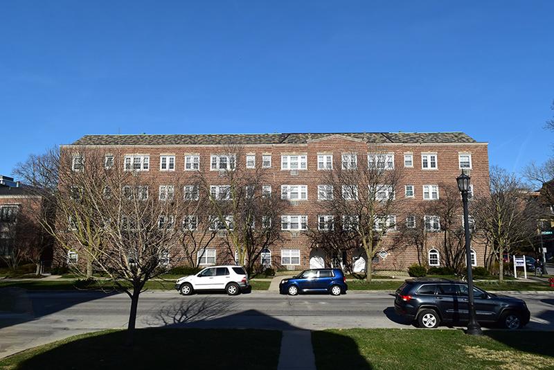 Connect Chicago: Evanston Apartments Trade Near Northwestern U.